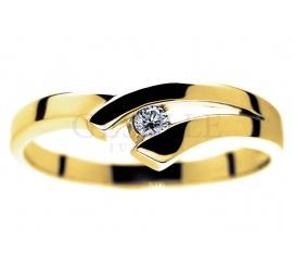 Wyjątkowy pierścionek z żółtego złota pr. 585 z brylantem o masie 0,05 ct - idealny na oryginalne oświadczyny