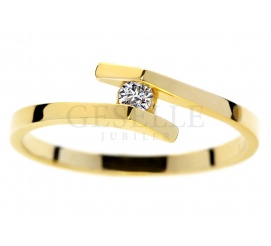 Niezwykły pierścionek zaręczynowy z żółtego złota14K z białym brylantem o masie 0.05 ct