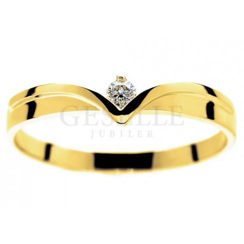 Nowoczesny, złoty pierścionek zaręczynowy z brylantem 0.06 ct - o wyjątkowym kształcie diademu