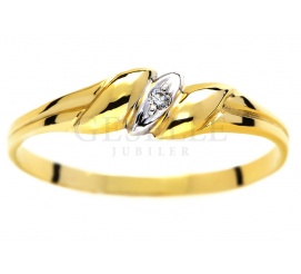 Delikatny, złoty pierścionek zaręczynowy z brylantem o masie 0.01 ct - subtelna elegancja