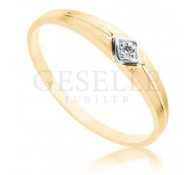 Uroczy, złoty pierścionek z brylantem 0.01 ct - subtelny wzór od GESELLE Jubiler