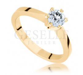 Wspaniała kompozycja lśnienia i elegancji - pierścionek zaręczynowy z brylantem 0.50 ct