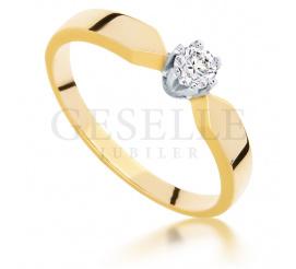 Klasyczny, złoty pierścionek zaręczynowy z brylantem o masie 0.17 ct - ponadczasowy model dla Twojej ukochanej