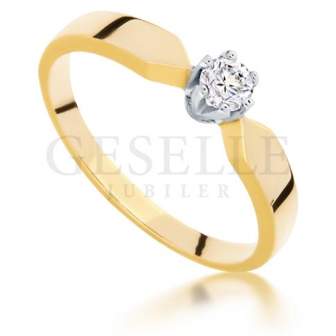 Klasyczny, złoty pierścionek zaręczynowy z brylantem o masie 0.15 ct - ponadczasowy model dla Twojej ukochanej