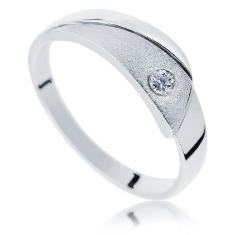 Fantazyjny pierścionek z białego kruszcu z brylantem 0.05 ct