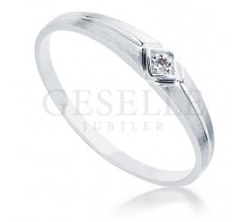 Pierścionek zaręczynowy - białe złoto i brylant 0.01 ct z kolekcji Delikatnej
