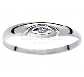 Delikatny pierścionek z białego złota próby 585 z brylantem 0,01 ct