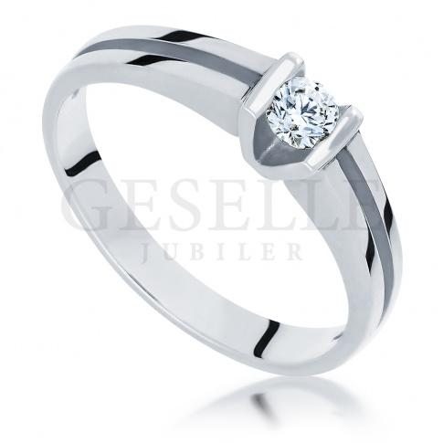 Białe złoto i brylant 0.14 ct - niepowtarzalny pierścionek na zaręczyny