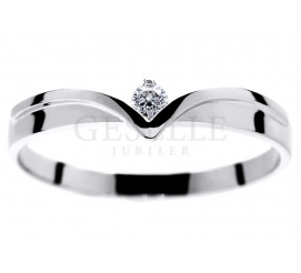 Wyjątkowy pierścionek z białego złota w kształcie diademu z lśniącym brylantem 0,06 ct