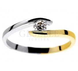 Dwukolorowy pierścionek zaręczynowy z brylantem 0,14 ct