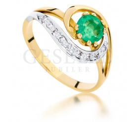 Oryginalny pierścionek z żółtego złota z przepięknym szmaragdem i brylantami o łącznej masie 0.09 ct
