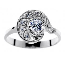 W stylu retro - monumentalny pierścionek - białe złoto i brylanty 0.35 ct - idealny na prezent dla wyjątkowej Osoby