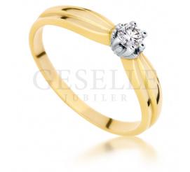 Złoty pierścionek zaręczynowy w stylu Tiffany z wiecznym brylantem 0.14 ct