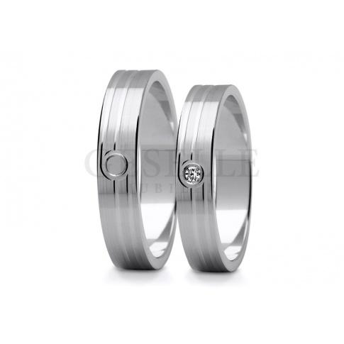 Elegancka para obrączek weselnych z białego złota z cyrkonią Swarovski ELEMENTS lub brylantem