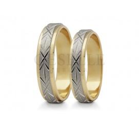 Dwukolorowe obrączki ślubne z białego i żółtego złota próby 585 środek zdobi obręcz z białego złota pokryta efektownym wzorem