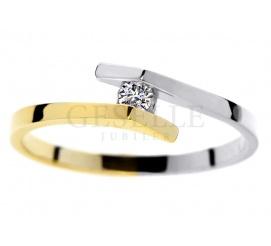 Oryginalny pierścionek zaręczynowy z dwukolorowego złota z brylantem o masie 0,05 ct