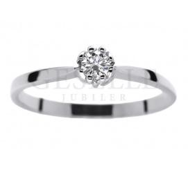 Elegancki pierścionek zaręczynowy w klasycznym stylu - wieczny brylant 0.12 ct i pełen blasku kruszec