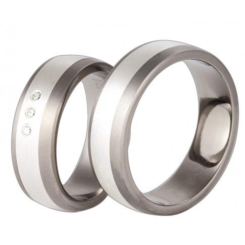 Tytanowe obrączki ślubne z detalami ze srebra próby 925