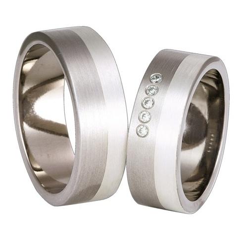Masywny komplet tytanowych obrączek ślubnych z detalami ze srebra i cyrkoniami Swarovski ELEMENTS