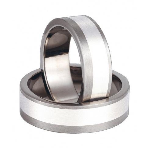 Klasyczne obrączki z tytanowymi krawędziami i srebrną linią
