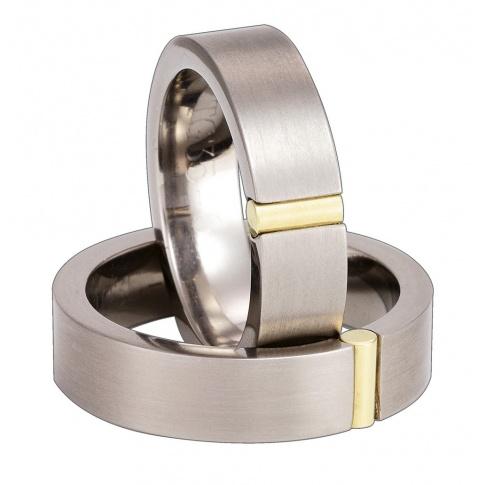 Elegancka para obrączek ślubnych z tytanu i klasycznego złota