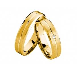 Niezwykłe złote obrączki ślubne z klasycznego kruszcu z matem i lśniącą linią