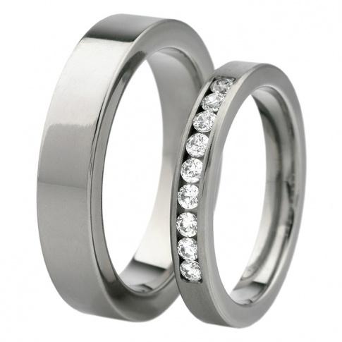 W stylu Tiffany! - stylowa para tytanowych obrączek ślubnych z imponującym rzędem cyrkonii Swarovskiego lub brylantów