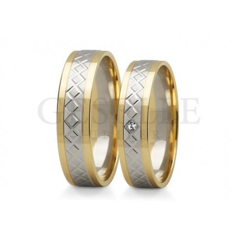Eleganckie obrączki ślubne z dwóch kolorów złota wysokiej - delikatny wzór i subtelny profil