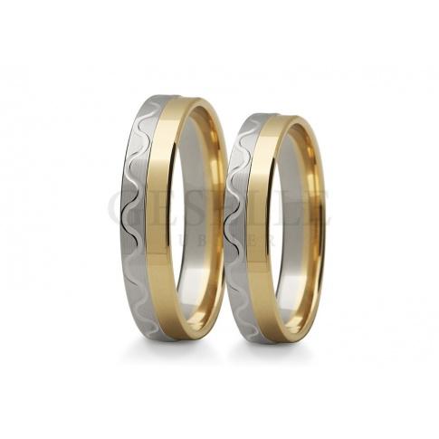 Niezwykłe, złote obrączki ślubne z dwóch kolorów złota - fantazyjna linia i delikatny, satynowy mat