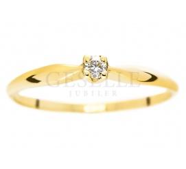 Subtelny, kobiecy pierścionek - klasyczny wzór z brylantem 0,05 ct na zaręczyny
