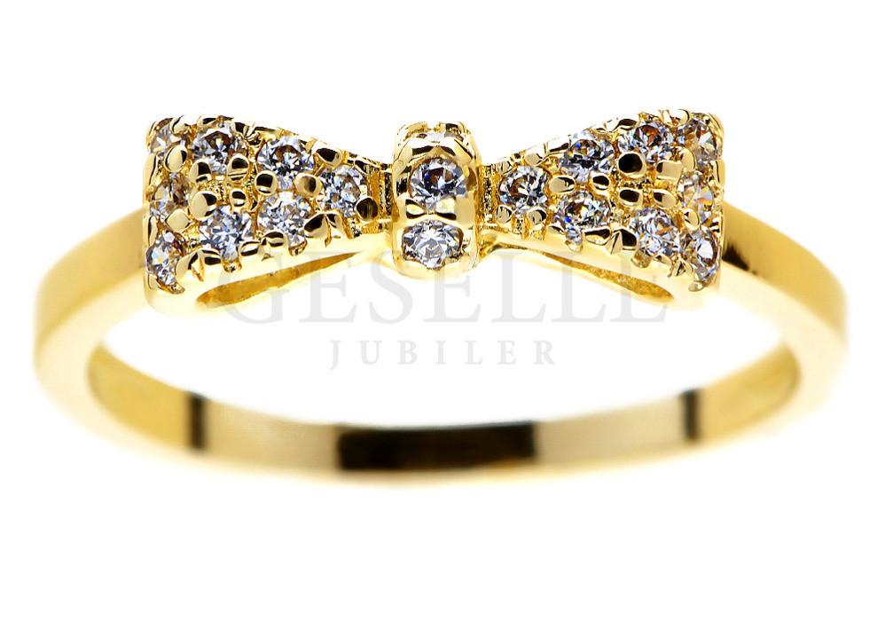 592f59d8be8da5 585: pierścionek zaręczynowy - kokardka z mieniącymi się brylantami -  Pierścionki zaręczynowe - GESELLE Jubiler