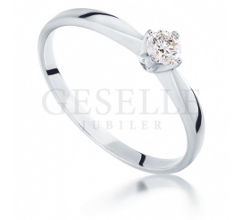 Uroczy pierścionek zaręczynowy z białego złota z brylantem 0,14 ct