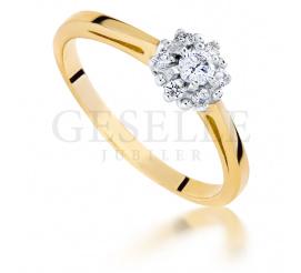 Olśniewający, złoty pierścionek zaręczynowy z brylantami 0,26 ct w kształcie kwiatu