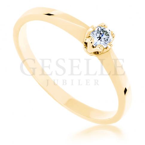 Ponadczasowy pierścionek zaręczynowy - z brylantem 0.10 ct - klasyka, która nie wychodzi z mody