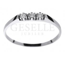 Delikatny i kobiecy pierścionek z 3 brylantami - 0.04 ct idealny na oświadczyny