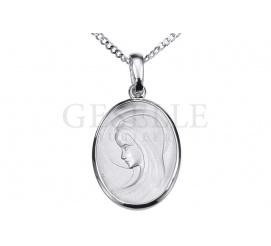 Owalny medalik z białego złota próby 585 z wizerunkiem Matki Boskiej - GRAWER W PREZENCIE