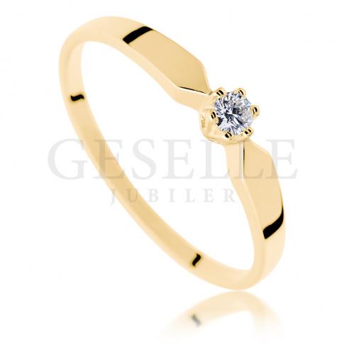 Klasyczny pierścionek z żółtego złota z brylantem o masie 0.05 ct dla Ukochanej