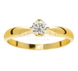 Klasyczny i ponadczasowy pierścionek zaręczynowy z żółtego złota 14K z certyfikowanym brylantem 0,23 ct (rozmiar 12)