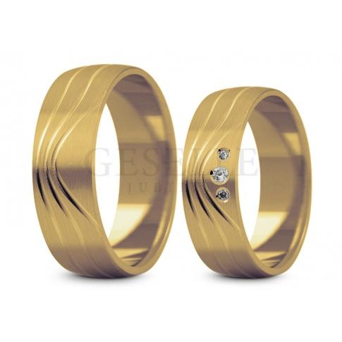 Porządne, nowoczesne obrączki ślubne z żółtego złota firmy Stelmach