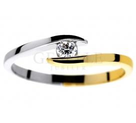 Dwukolorowy, nowoczesny pierścionek zaręczynowy z brylantem 0,09 karata