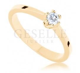 Ponadczasowy pierścionek zaręczynowy z kolekcji GESELLE Jubiler z brylantem 0,15 ct - klasyka, która nie wychodzi z mody