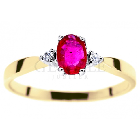 Efektowny, złoty pierścionek z czerwonym rubinem naturalnym i brylantami o masie 0.03 ct