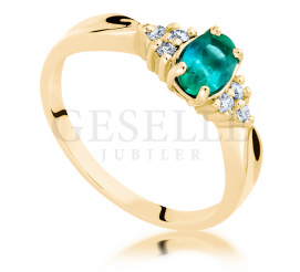 Niebanalny pierścionek zaręczynowy ze złota 585 ze szmaragdem i brylantami