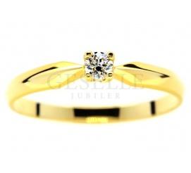 Najmodniejszy pierścionek zaręczynowy: ponadczasowy brylant 0.08 ct w żółtym złocie 14K