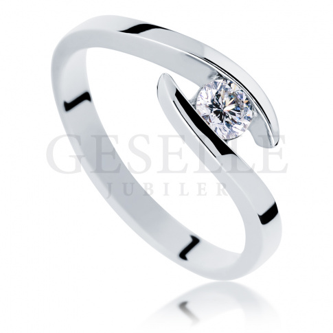 Nowoczesny pierścionek na oświadczyny: białe złoto i diament o masie 0.20 ct