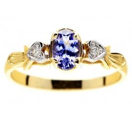 Niebanalny pierścionek zaręczynowy z żółtego złota z tanzanitem i dwoma brylantami w sercach