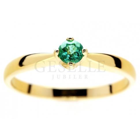 Unikatowy pierścionek zaręczynowy z żółtego złota ze szmaragdem