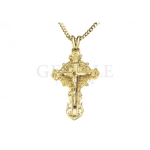 Duży krzyżyk z żółtego, klasycznego złota próby 585 z ażurowym zdobieniem - pomysł na prezent z okazji bierzmowania