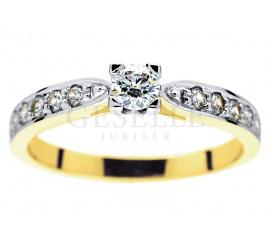 Niezwykle pożądany pierścionek zaręczynowy z żółtego złota próby 585 z jedenastoma brylantami