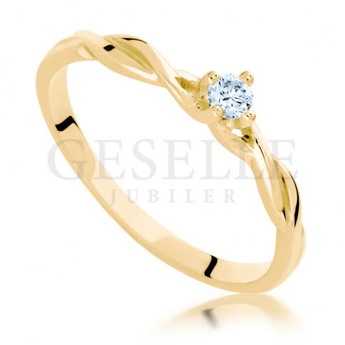 Niezwykły pierścionek zaręczynowy z żółtego złota z brylantem 0.10ct